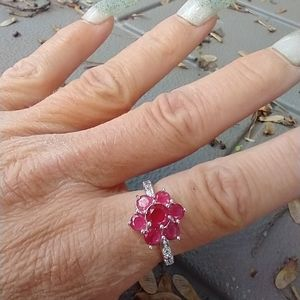 Women's marked 925 red stone ring size 9